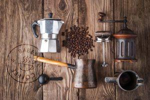 Oude Barista tools uit het verleden koffie te zetten.